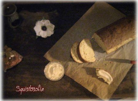 Pane allo yougurt e cereali e maionese vegan (con latte di mandorla)