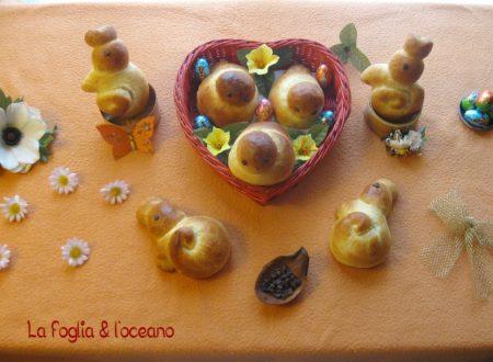 Colombine e coniglietti pasquali di pan brioche