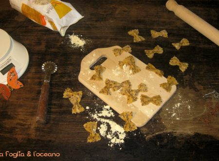 Farfalle homemade di farina di ceci e semi di lino