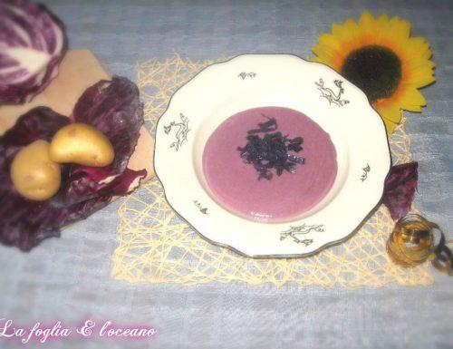 Vellutata di cavolo viola e mele golden